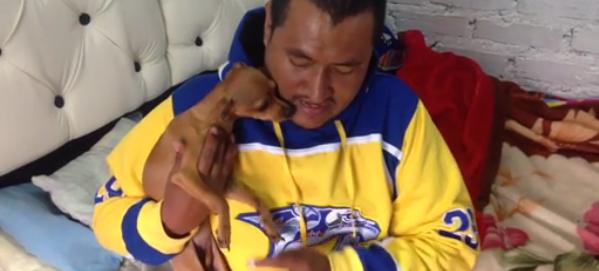 La historia de Pedro, un hombre de estrato 1, que no ha podido pagar la operación de su perrita Luna