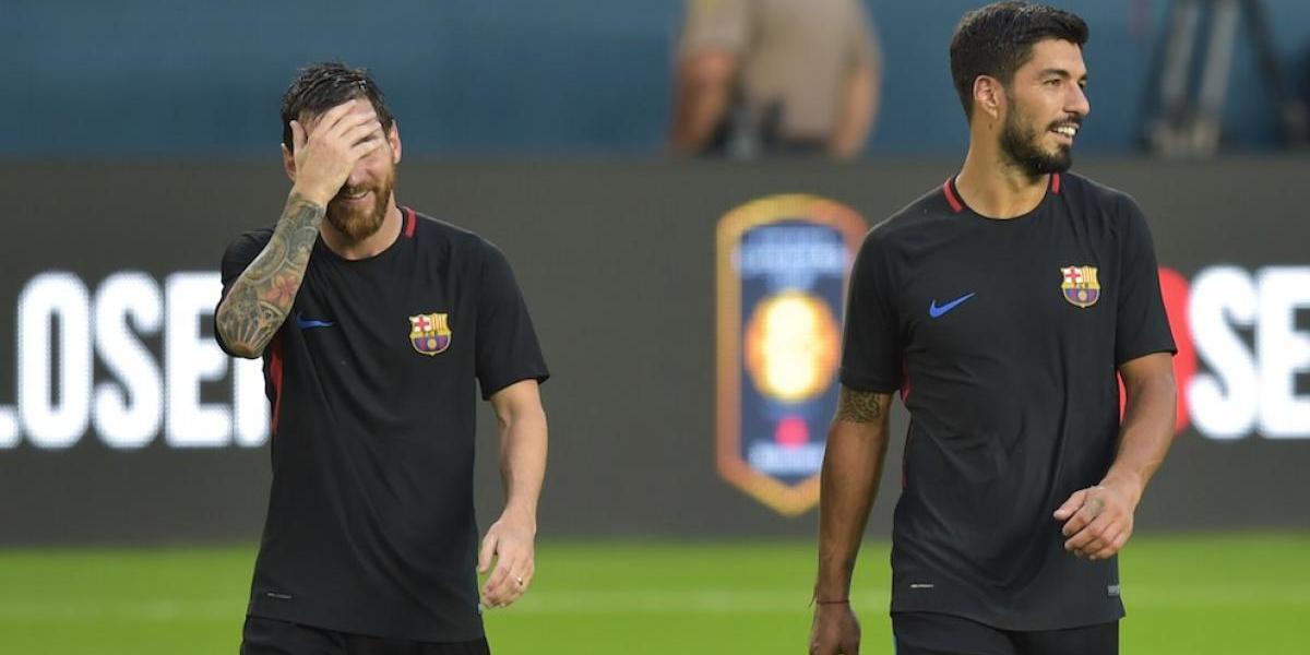 Messi y Suárez se fotografían con uno de los mejores deportistas de la historia