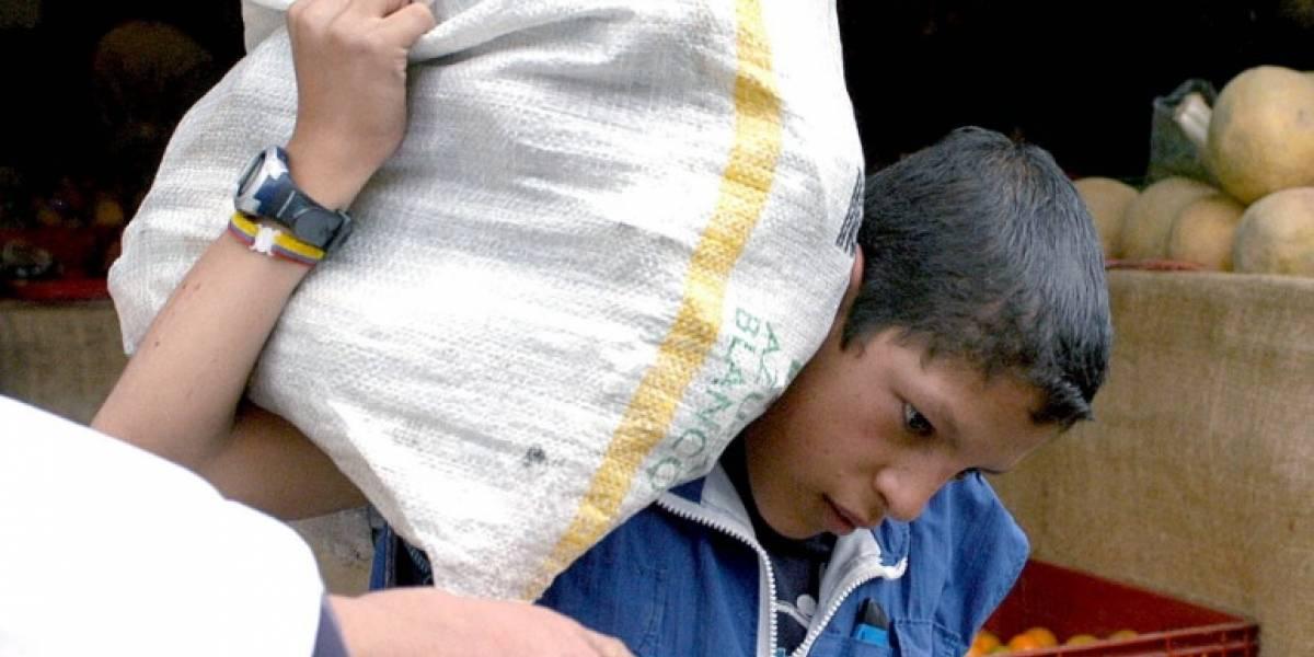 ¡Increíble! 33 niños que trabajaban en la plaza del 20 de julio fueron capturados por autoridades
