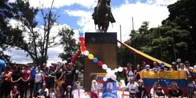 EN IMÁGENES Venezolanos en Guatemala marchan para rechazar la Asamblea Constituyente