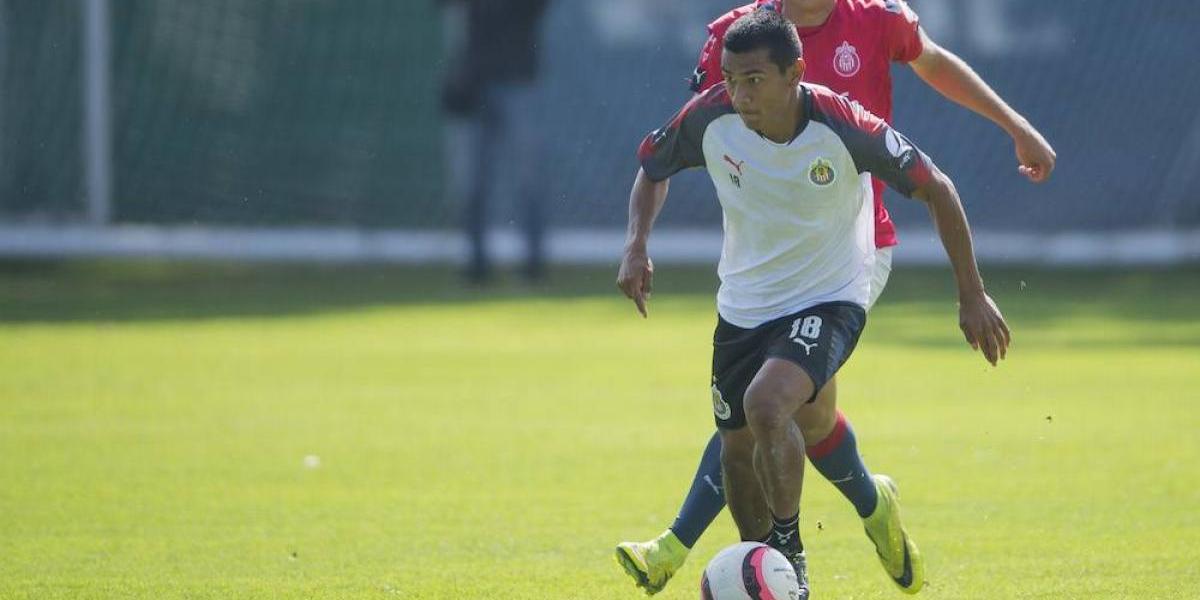 Ángel López y el llanto de felicidad por debutarcon Chivas