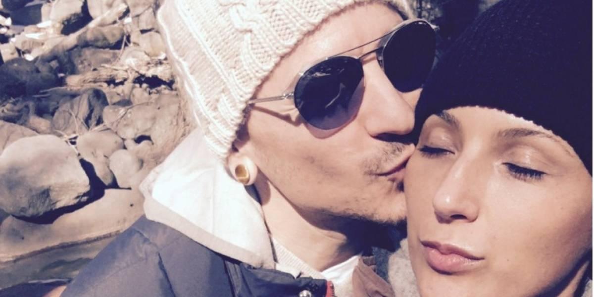 Viuda de Chester Bennington habla por primera vez de la muerte del cantante