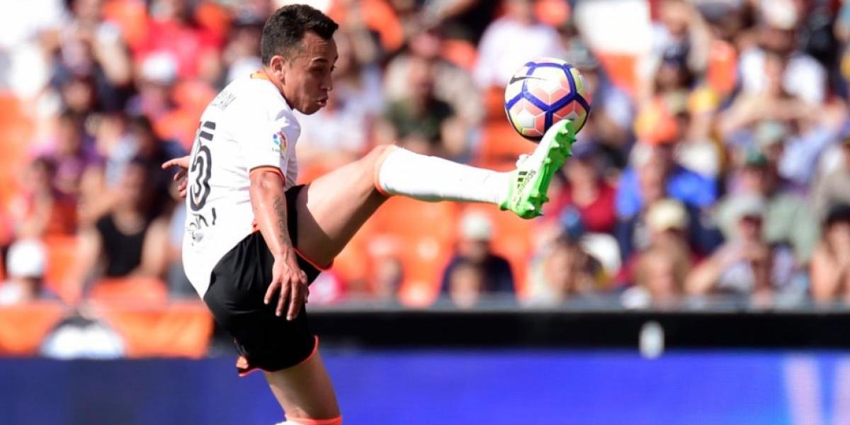 """Fabián Orellana tendrá que hacer la """"gran Bam Bam Zamorano"""" para seguir en el Valencia"""