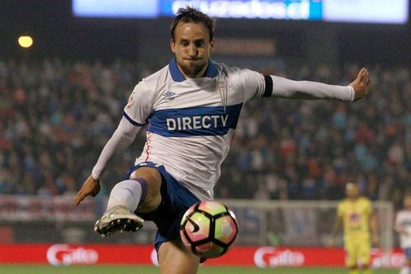 José Pedro Fuenzalida sólo ha marcado un gol en lo que va de 2017 con la camiseta de la UC / Photosport
