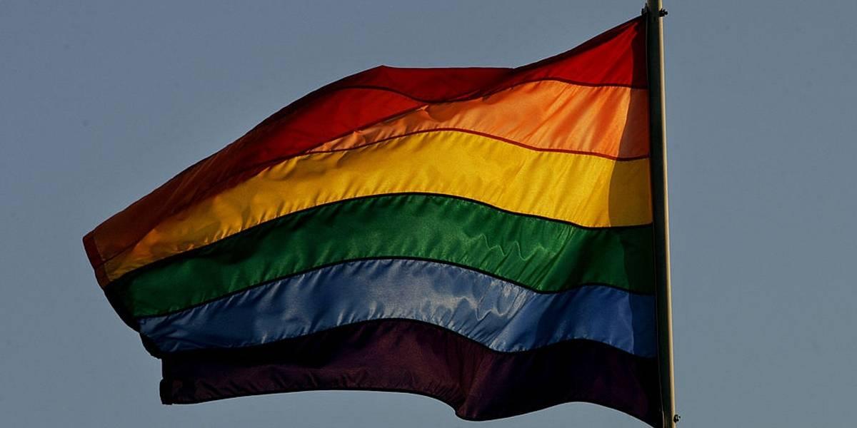 Casal gay é impedido de trocar carícias em hotel na Itália