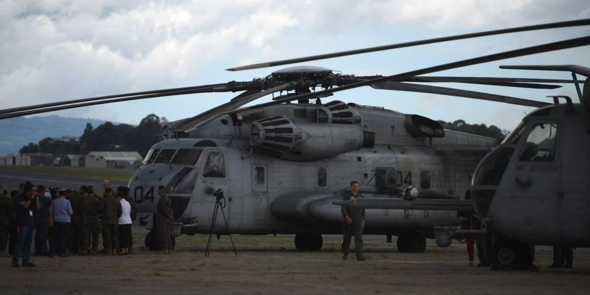 Aeronaves de la Marina de Estados Unidos portan una insólita insignia