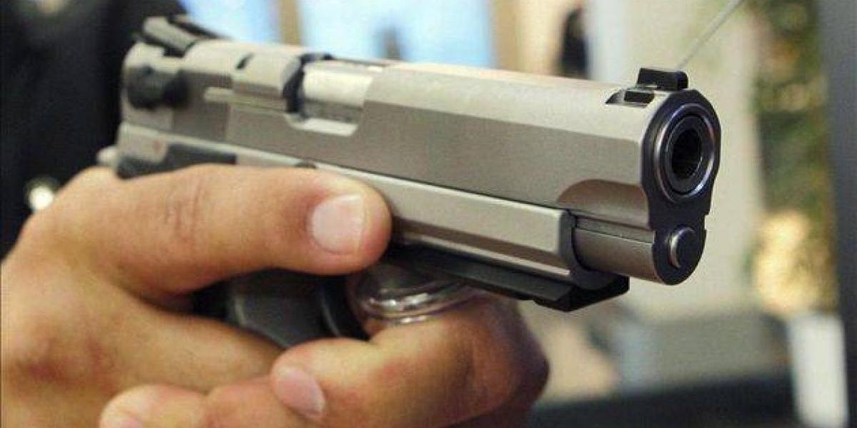 Adolescente de 12 años se suicida de un balazo en Santiago
