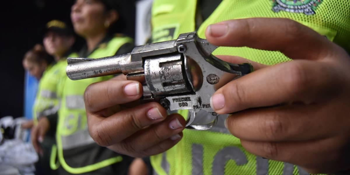 Detienen a dos venezolanos acusados de asesinar a tendero de 65 años y robarle 2 millones de pesos