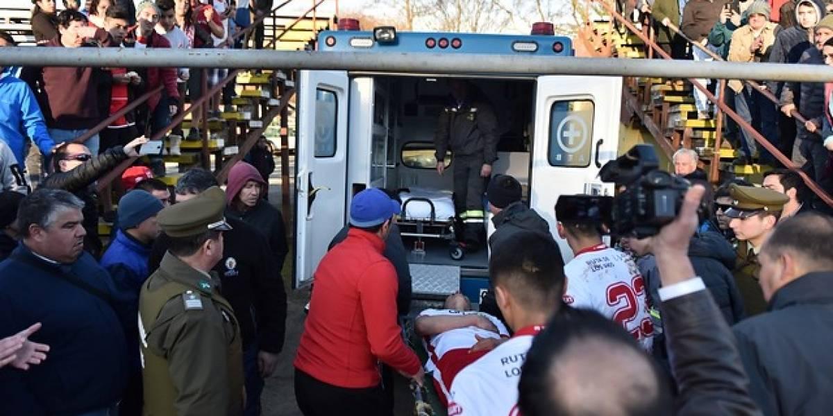 Susto en Valdivia: Defensor sufrió taquicardia en la cancha y debió ser trasladado a la clínica
