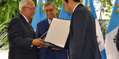 Guatemala condecora post mortem a Miguel Angel Asturias
