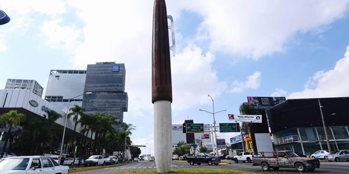 Llueven críticas a escultura del Ayuntamiento de Guadalajara