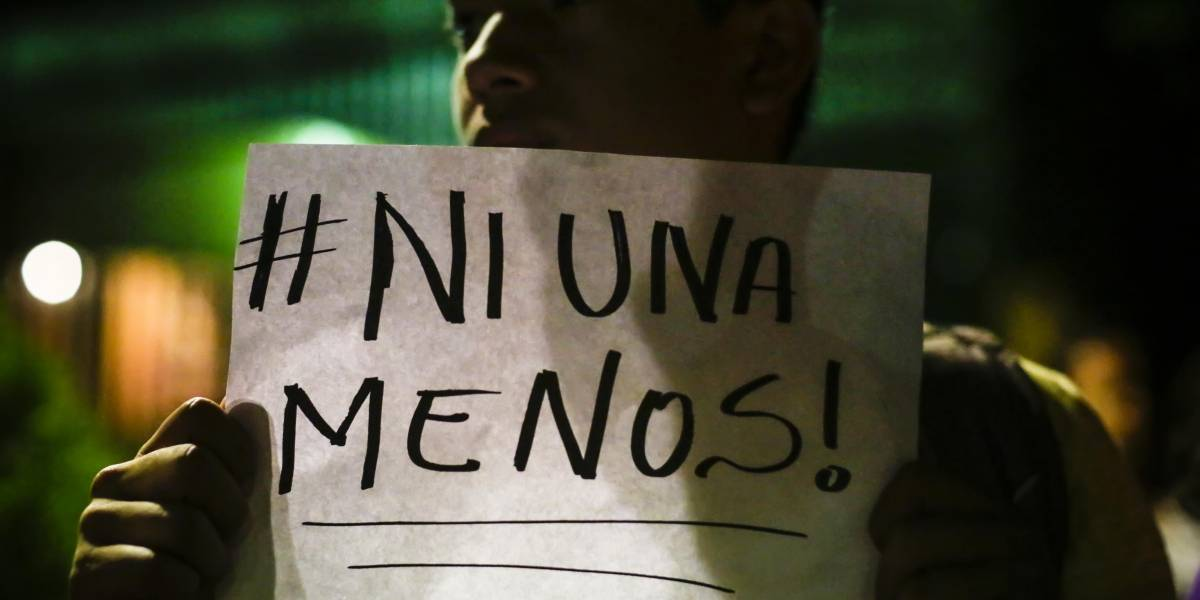 """Precandidato argentino genera polémica al señalar que un aborto """"también es ni una menos"""""""