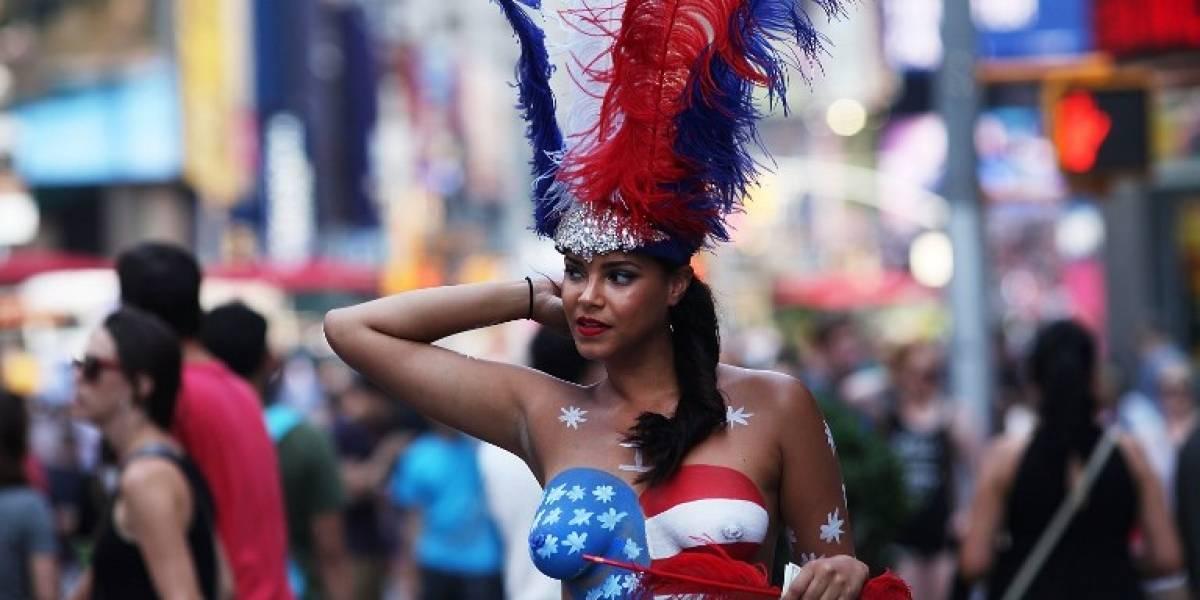 """""""Las desnudas"""" de Times Square están fuera de control"""