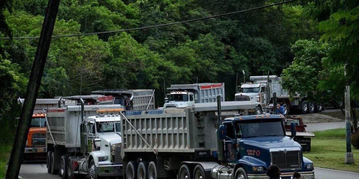 Camionero  intenta arrollar manifestante en Peñuelas