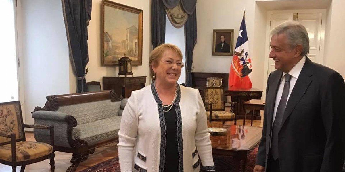 Michelle Bachelet recibe a López Obrador en Chile