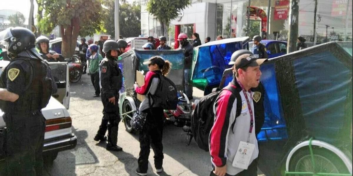 Decomisan 26 mototaxis que operaban en el Aeropuerto de la CDMX