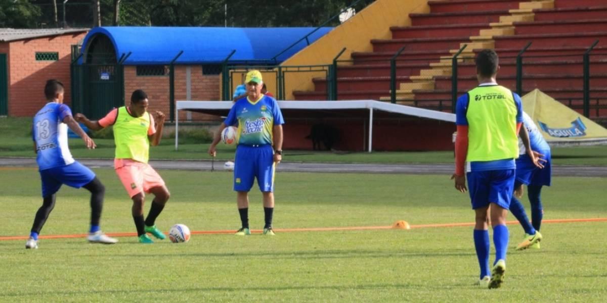 Atlético Bucaramanga oficializó la destitución de Fernando Castro