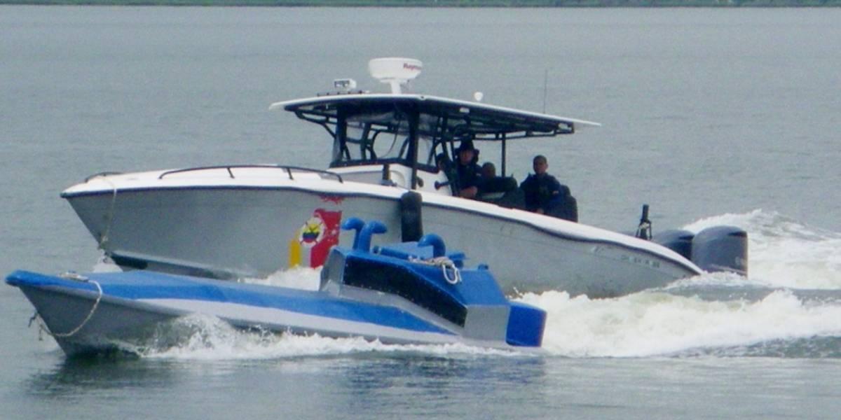 Armada colombiana rescata familia venezolana tras naufragio en río limítrofe