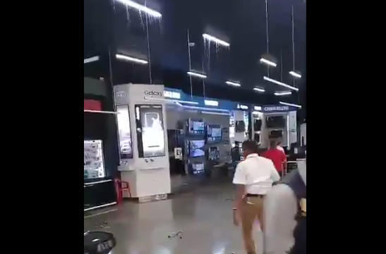 Video: centro comercial de los hijos de Uribe se inundó a pocos días de la inauguración