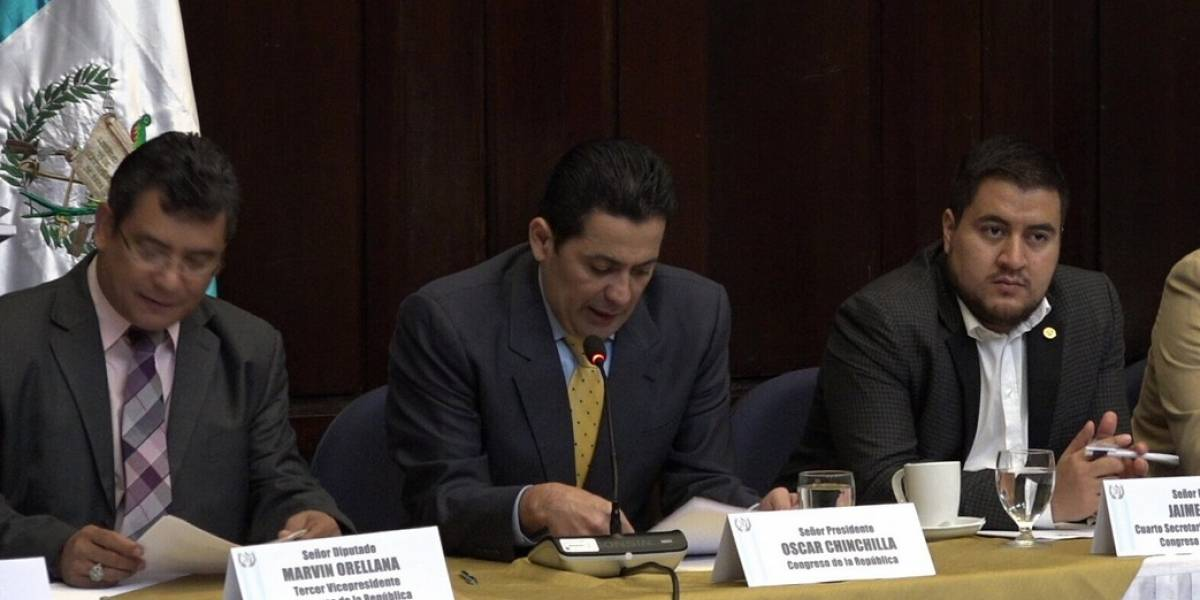 Convocarán a mesa técnica para discutir reformas a la Constitución