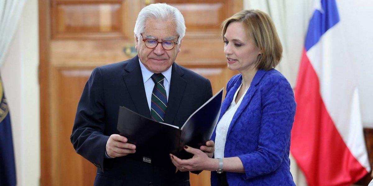 Crisis de la falange golpea al Gobierno: Mario Fernández llama a reunión a ministros y subsecretarios DC