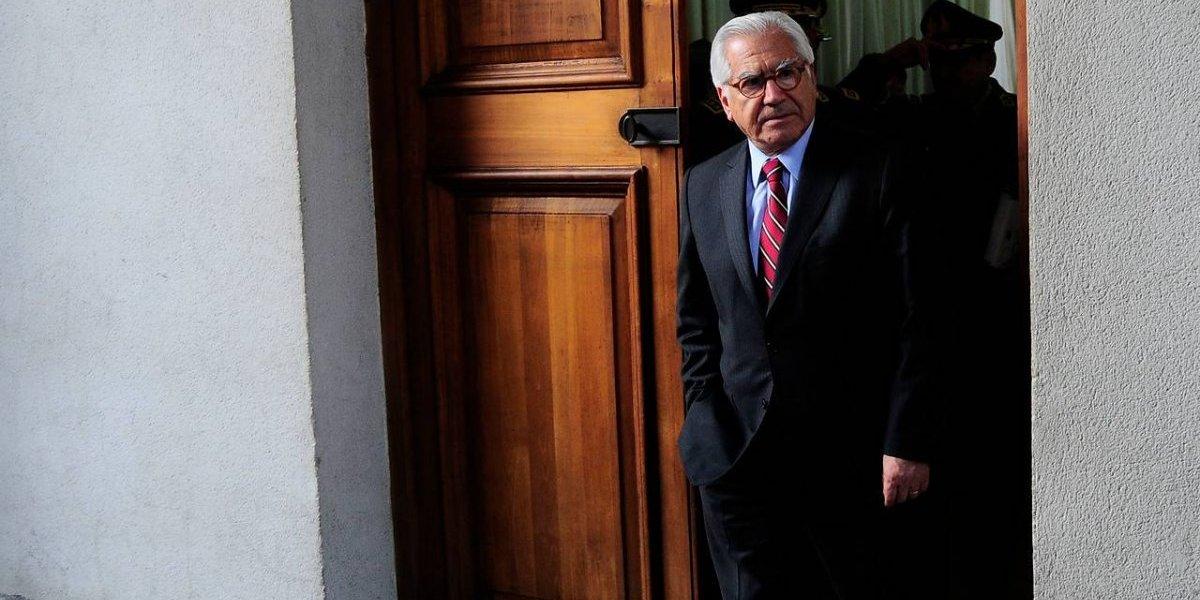"""Crisis en la DC: ministro del Interior destaca """"emocionante apoyo"""" de Bachelet tras reunión en La Moneda"""