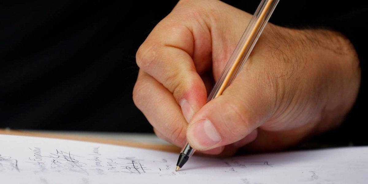 Polémico aumento de los notarios públicos en Chile: ¿por qué su profesión es tan importante?