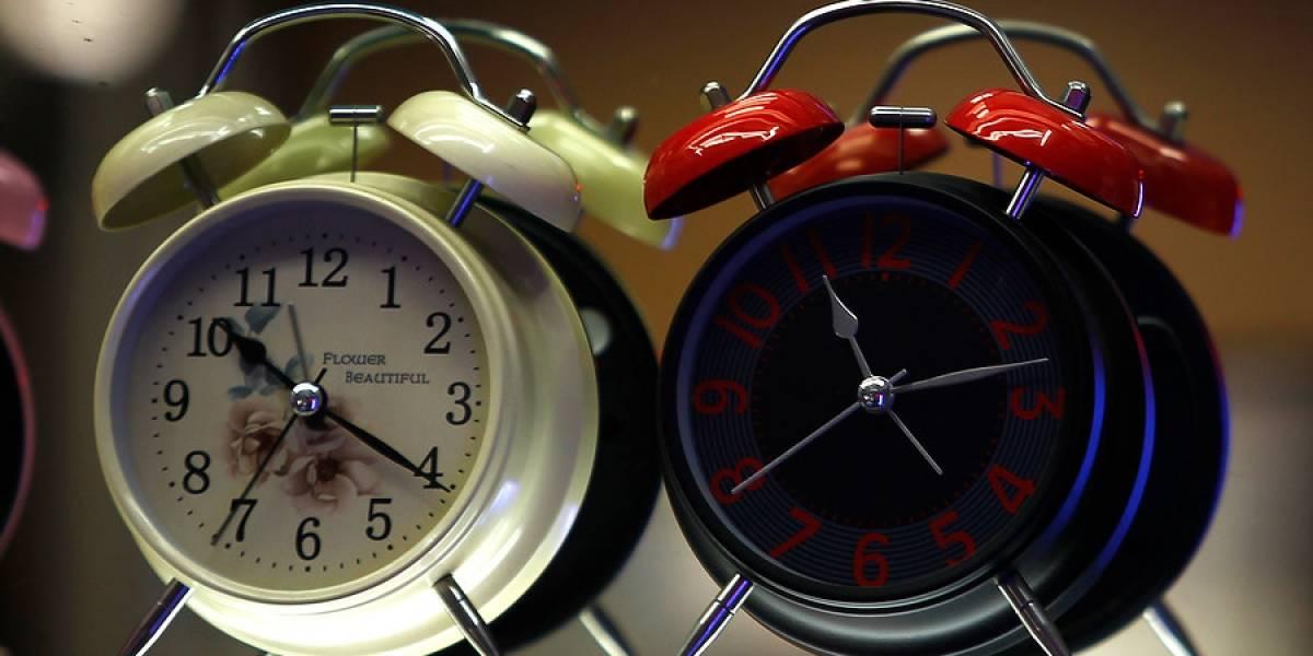Regresa el horario de verano y cambio de hora vuelve a desatar polémica