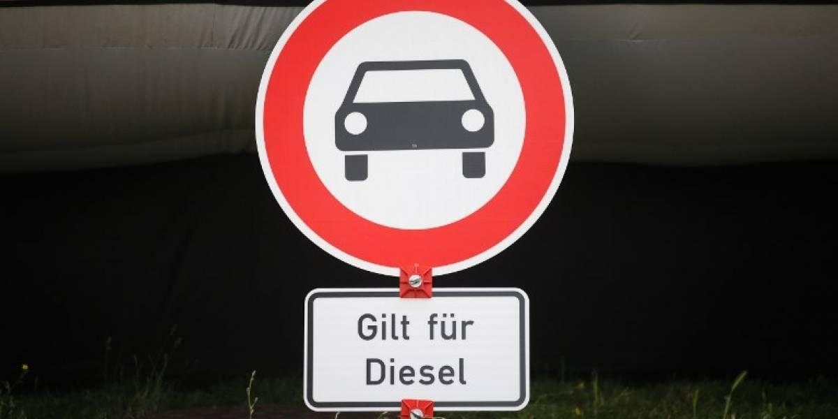 En medio de la crisis, los fabricantes alemanes proponen revisar sus autos diésel