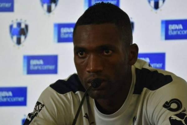 Alexander Domínguez ya atajó para Colón de Santa Fe en amistoso