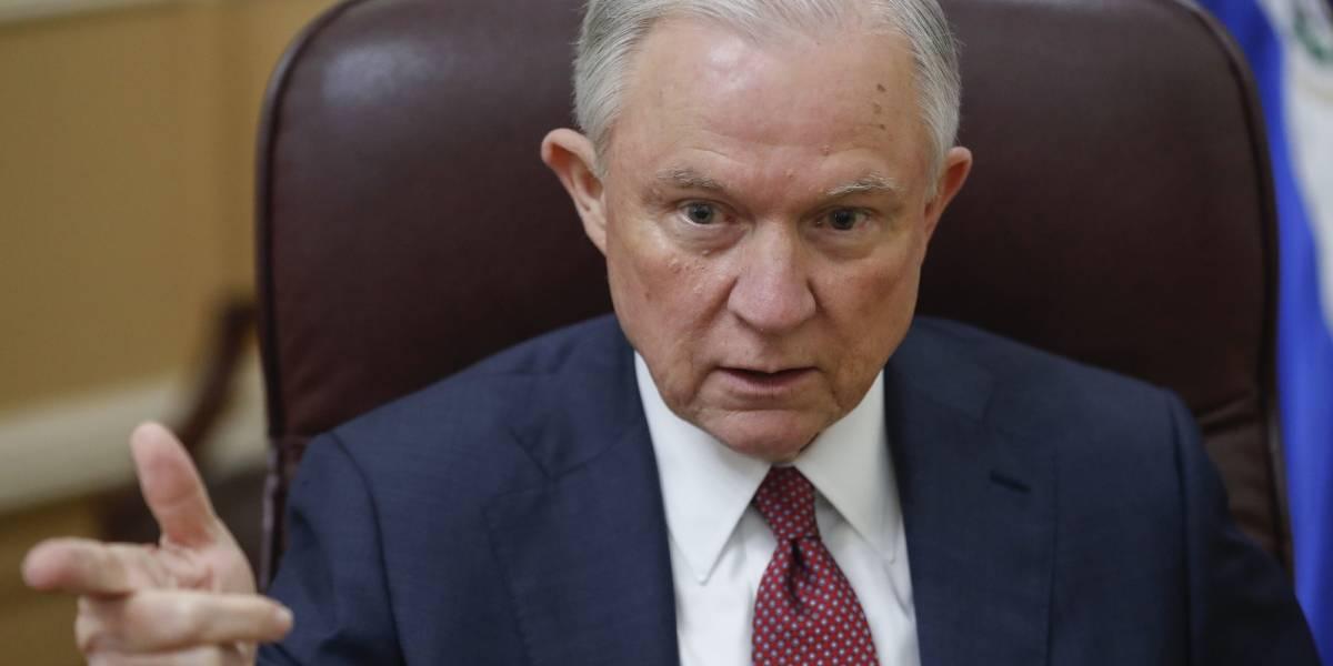 Justicia federal podría llevar casos por discriminación a los blancos