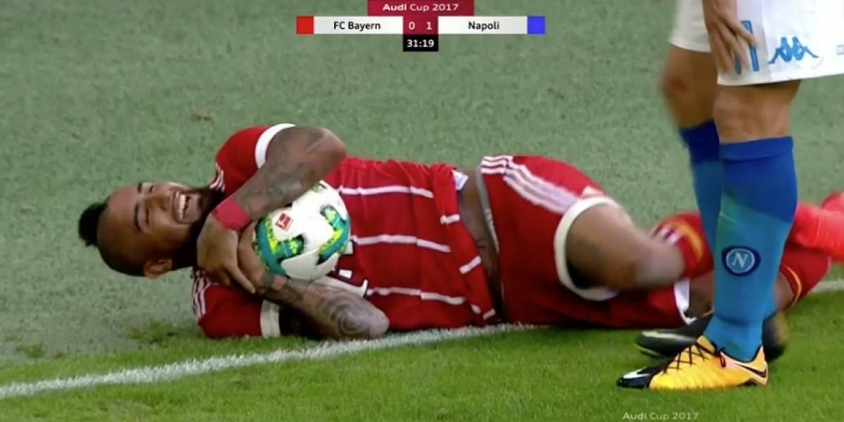 """Arturo Vidal se robó la atención con insólito """"blooper"""" en amistoso del Bayern"""