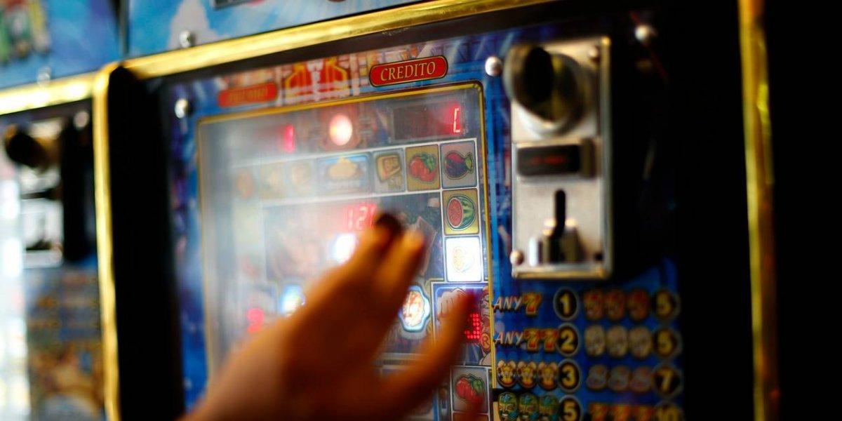 Mala suerte para dueño de casinos ilegales de Santiago: seguirá en prisión preventiva