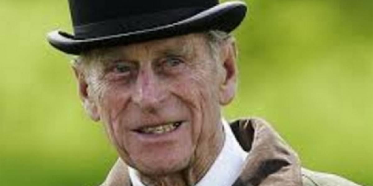 Duque de Edimburgo se retira tras 65 años en la vida pública