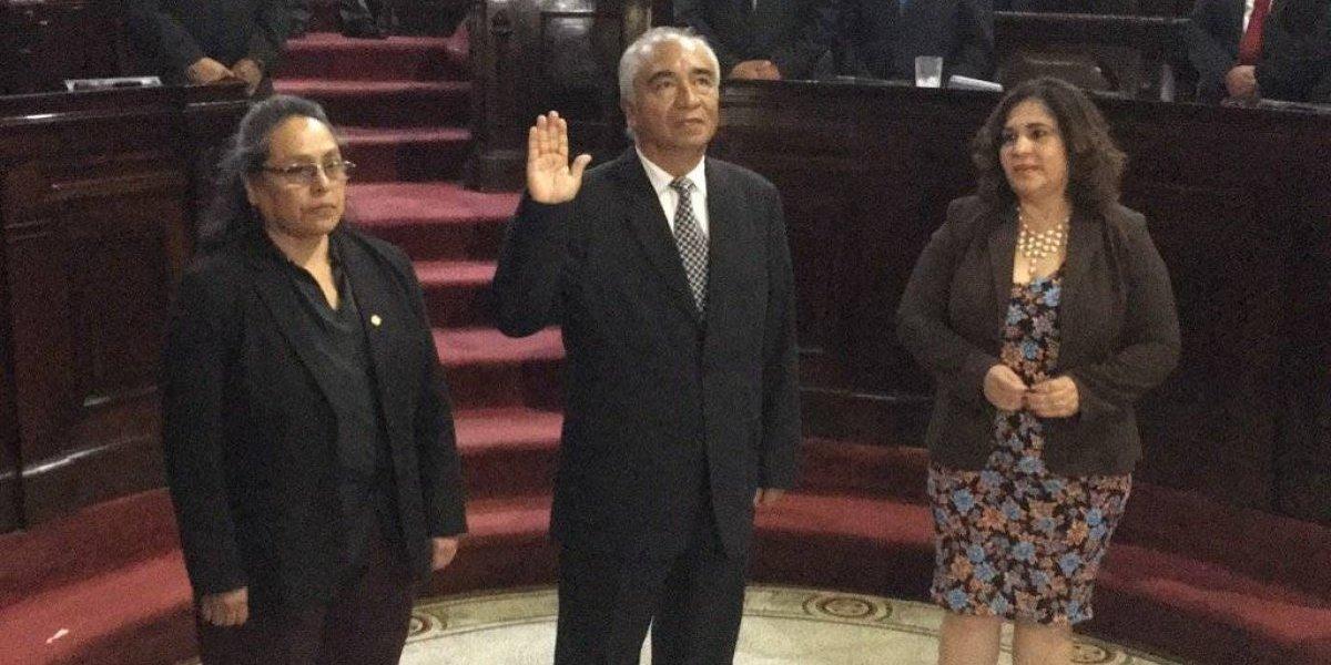 Enrique Álvarez asume como diputado al Congreso en sustitución de Velásquez