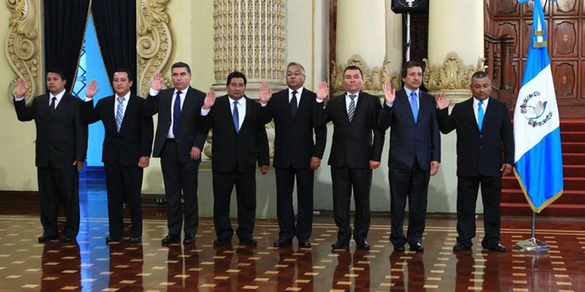 Morales cambiará a 18 gobernadores por designación anómala