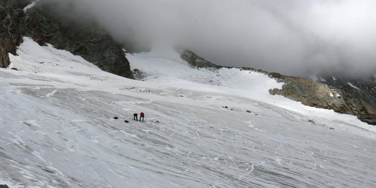 Hallan cadáver de alpinista desaparecido en 1987 congelado
