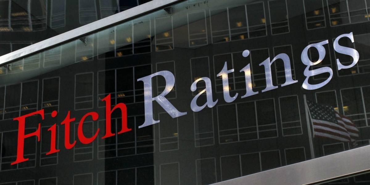 Fitch mejora la perspectiva de calificación de México de negativa a estable