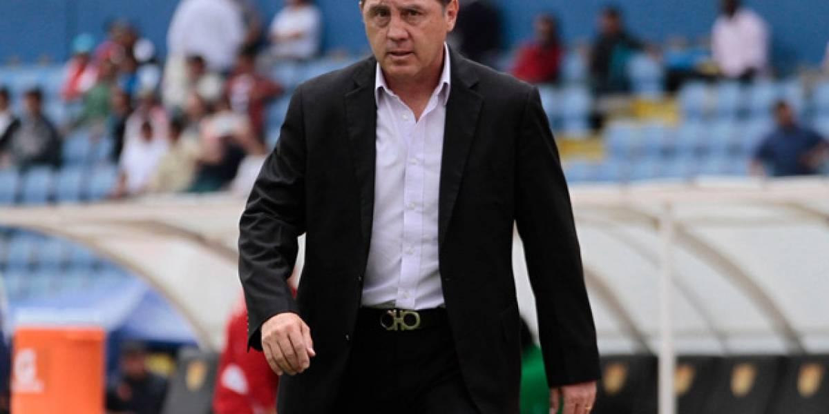 Álex Aguinaga pide dinero al Deportivo Cuenca