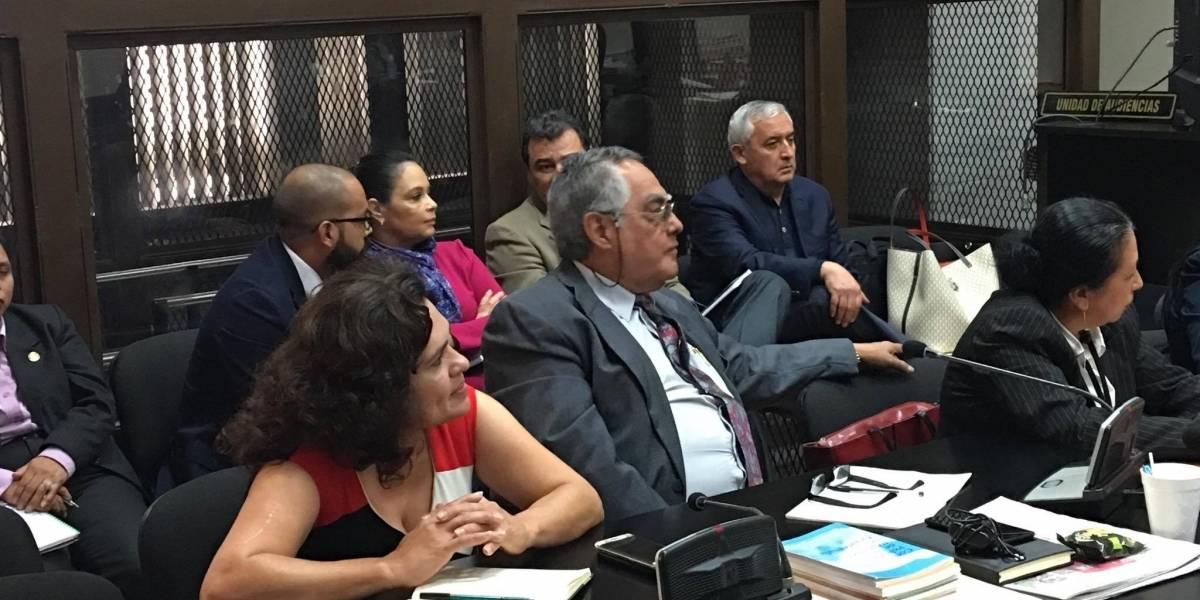 """Se suspende audiencia de La Línea y Baldetti se queja de la """"trabazón"""""""