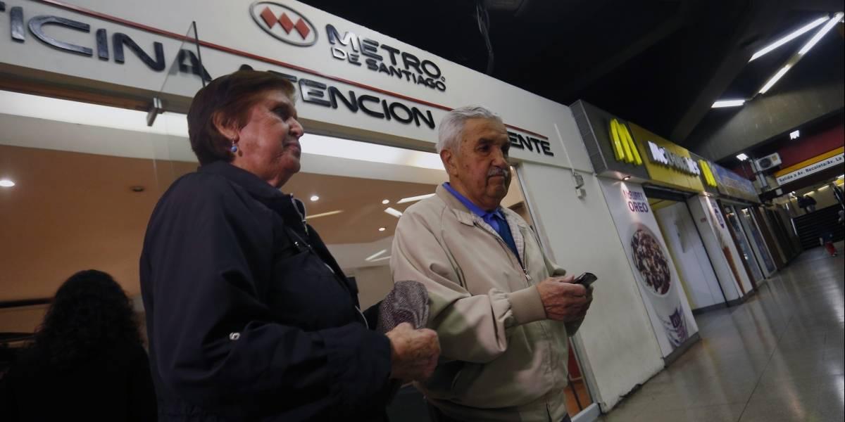 CHILE: Metro revisará límite de viajes y adultos mayores analizan movilizaciones