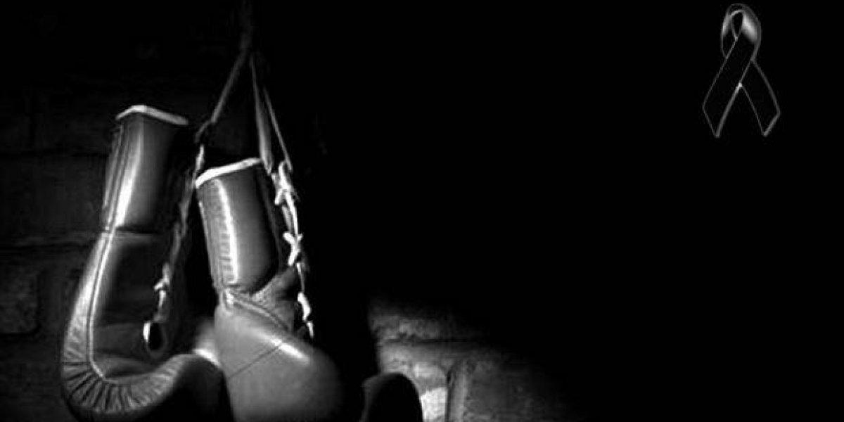 Muere boxeador tras desplomarse en competencia