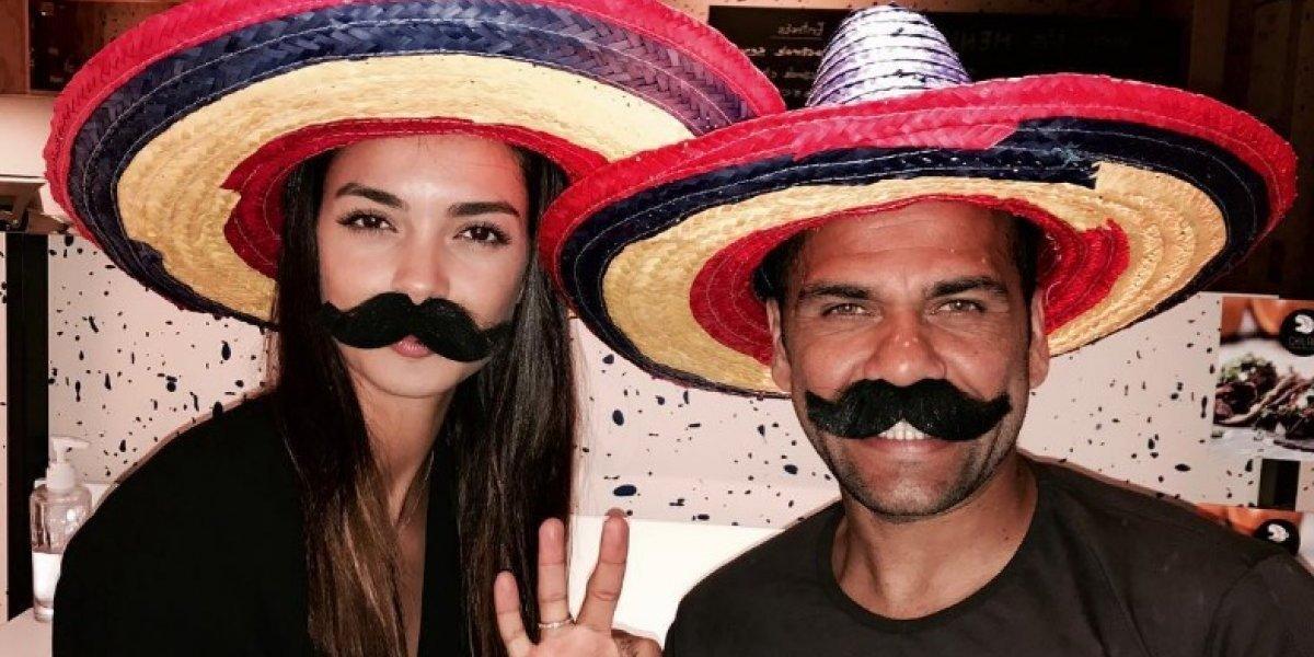 Dani Alves se pone muy mexicano en Instagram