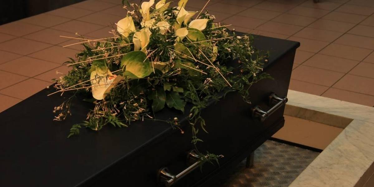 VIDEO. Llevan a mujer enferma a funeraria para esperar su muerte