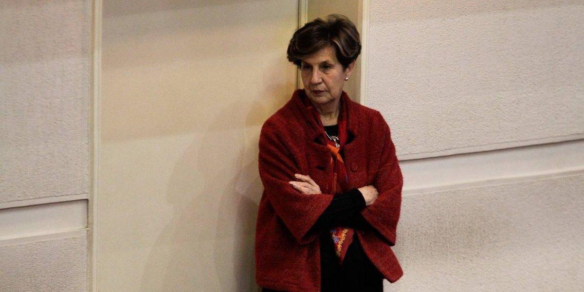 """Trolleo nivel leyenda: Isabel Allende tuiteó """"Por"""" y se llena de respuestas creativas y memes"""