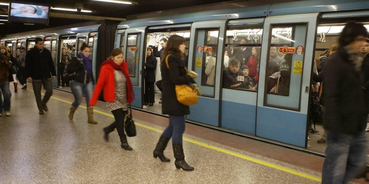 Metro interrumpe servicio entre Patronato y Santa Ana luego que una persona se lanzara a las vías