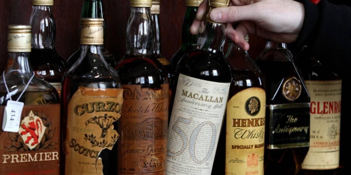 Turista paga más de 8 mil euros por un vaso de whisky de 1878