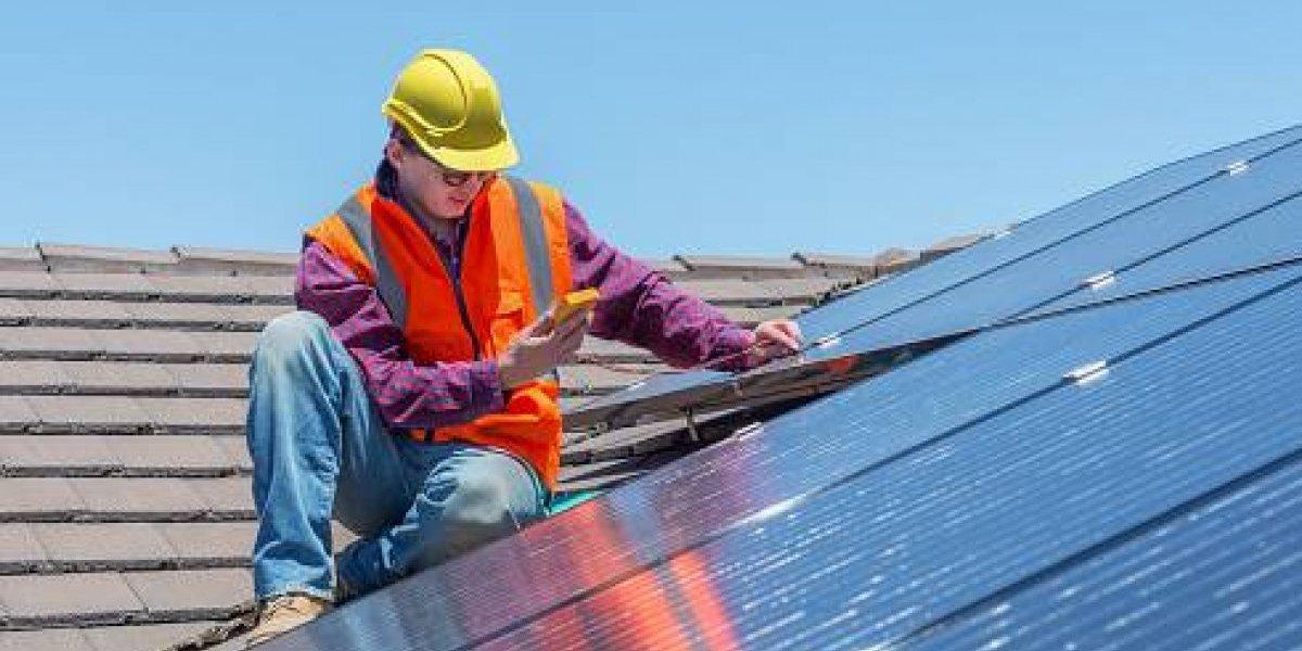 Denuncian posible eliminación de programa de reembolsos en paneles solares