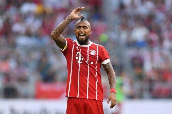 Arturo Vidal no se mueve del Bayern Munich / AFP