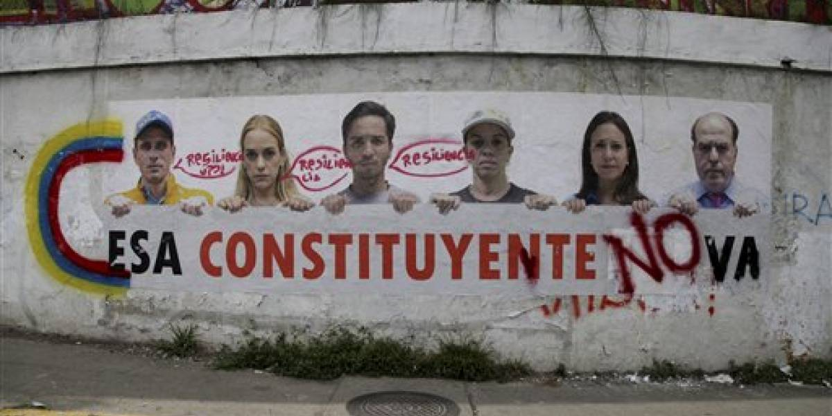 Exalcalde de Caracas vuelve a su casa después de detención